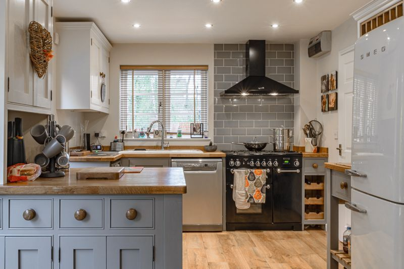 3 bed house for sale in Mill Court 4