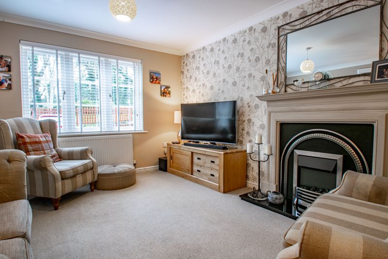 3 bed house for sale in Mill Court 6