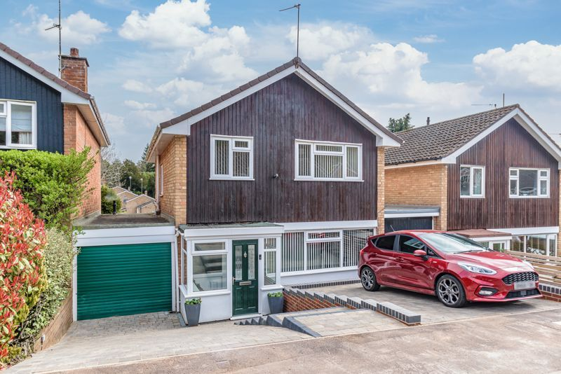 3 bed house for sale in Lickey Coppice - Property Image 1