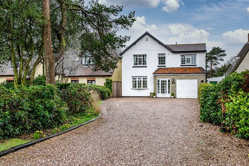 4 bed house for sale in Monument Lane 1