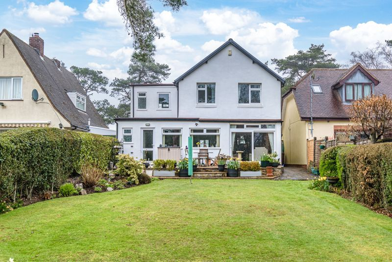 4 bed house for sale in Monument Lane 13