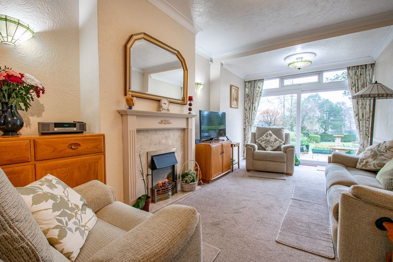 4 bed house for sale in Monument Lane 4