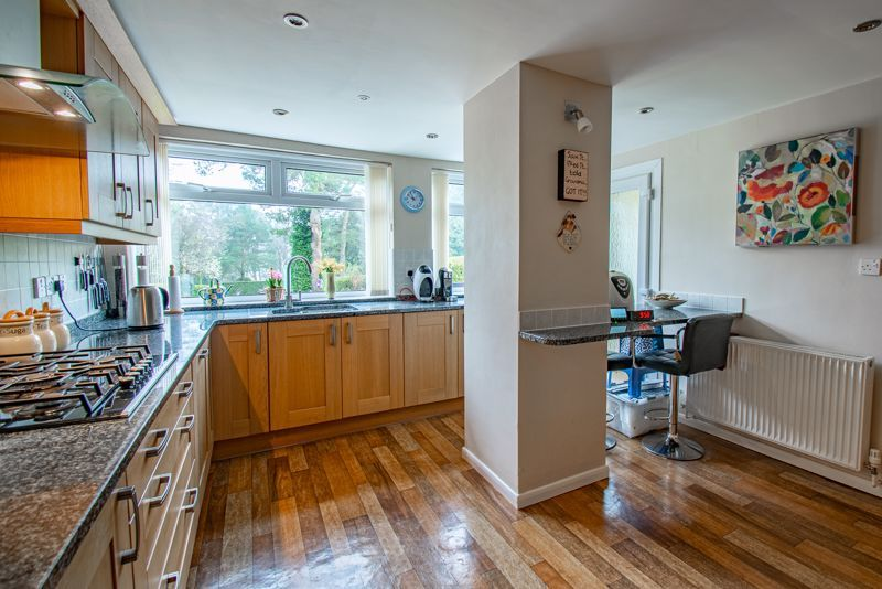 4 bed house for sale in Monument Lane 6