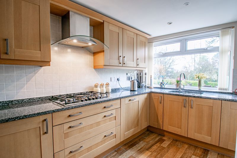 4 bed house for sale in Monument Lane 7