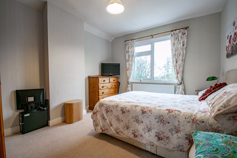 4 bed house for sale in Monument Lane 10
