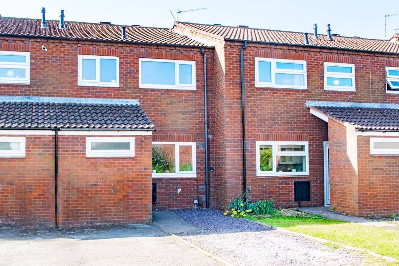 3 bed house for sale in Churchward Close 1