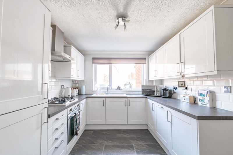 3 bed house for sale in Churchward Close 3