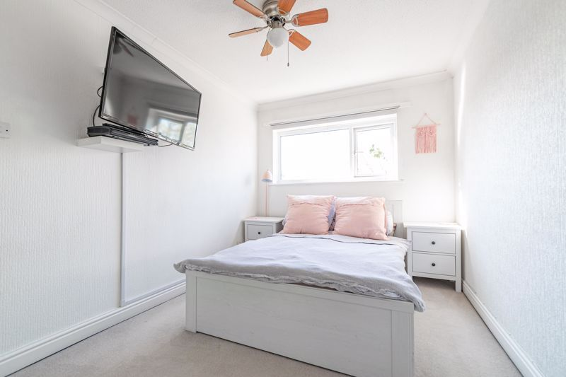 3 bed house for sale in Churchward Close 6