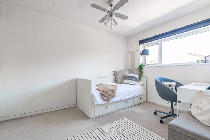 3 bed house for sale in Churchward Close 9