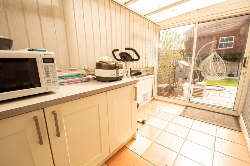 3 bed house for sale in Marshwood Croft 6