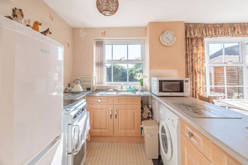 3 bed house for sale in Maisemore Close 3