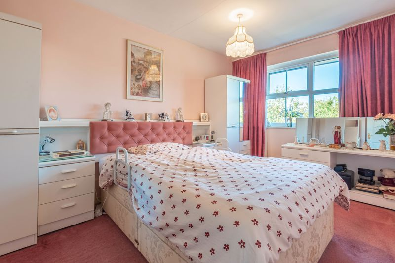 3 bed house for sale in Maisemore Close 7