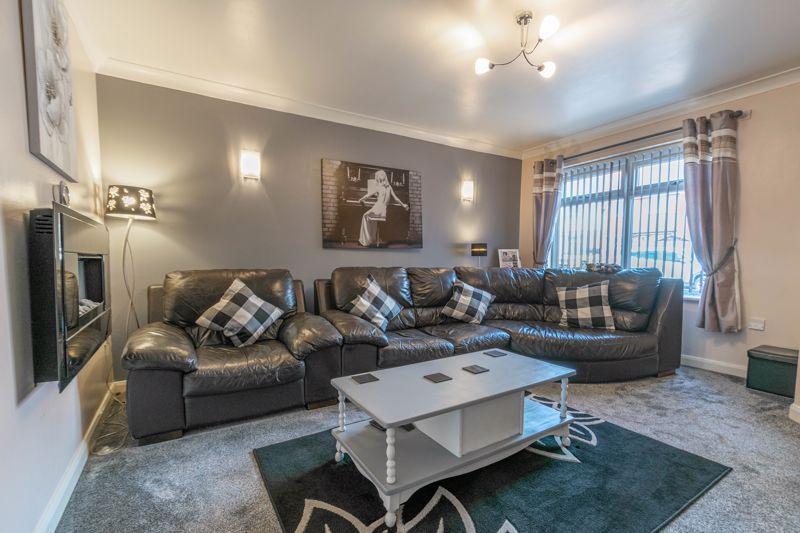 3 bed house for sale in Britannia Close 6