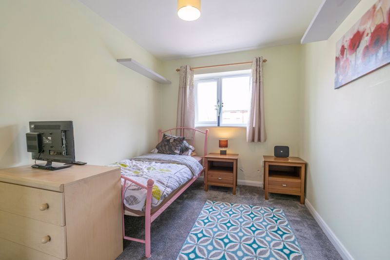 3 bed house for sale in Britannia Close 9