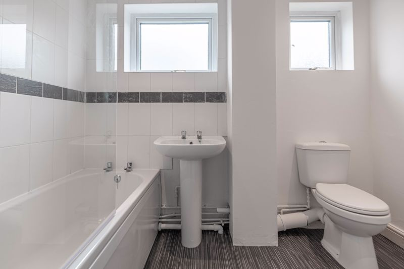 2 bed house for sale in Exhall Close 11
