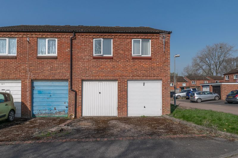 2 bed house for sale in Exhall Close 12