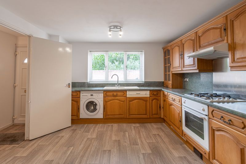 2 bed house for sale in Exhall Close 3