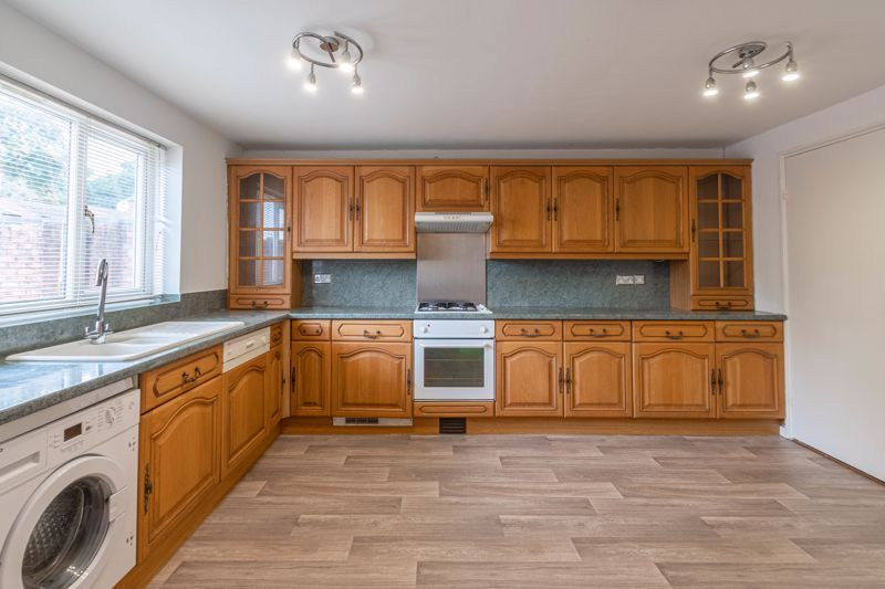 2 bed house for sale in Exhall Close 4