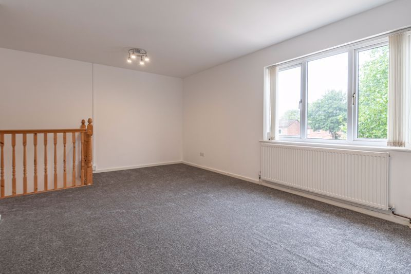 2 bed house for sale in Exhall Close 7