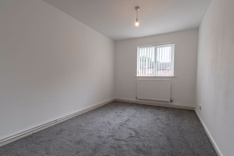 2 bed house for sale in Exhall Close 8