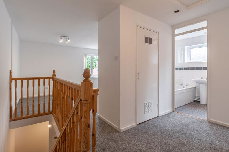 2 bed house for sale in Exhall Close 10