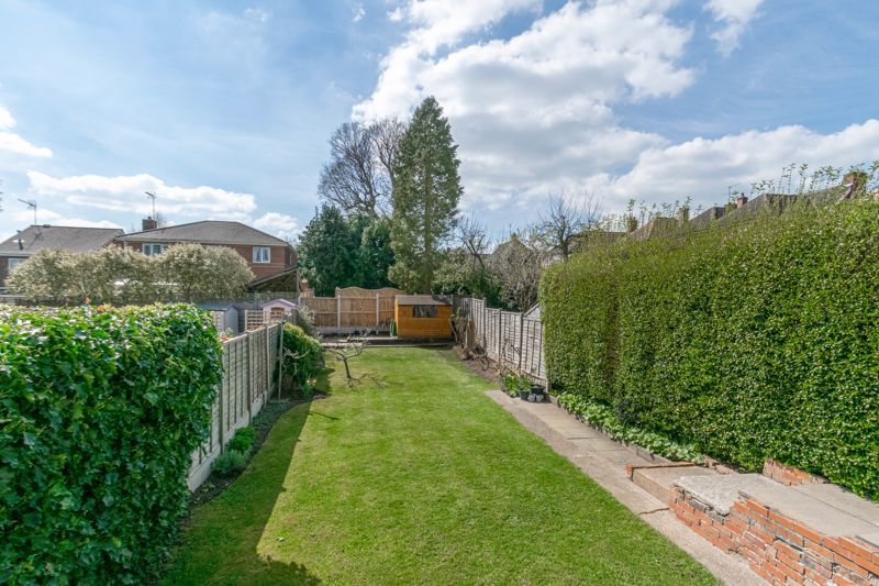 3 bed house for sale in The Meadway 11