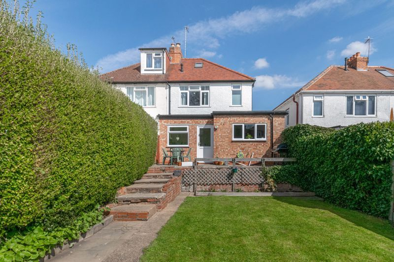 3 bed house for sale in The Meadway 13