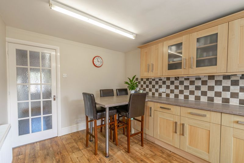 3 bed house for sale in The Meadway 14