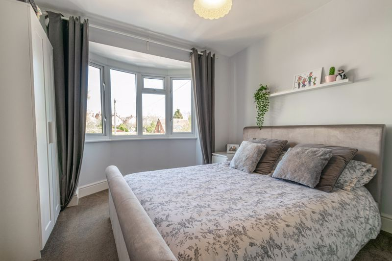 3 bed house for sale in The Meadway 15
