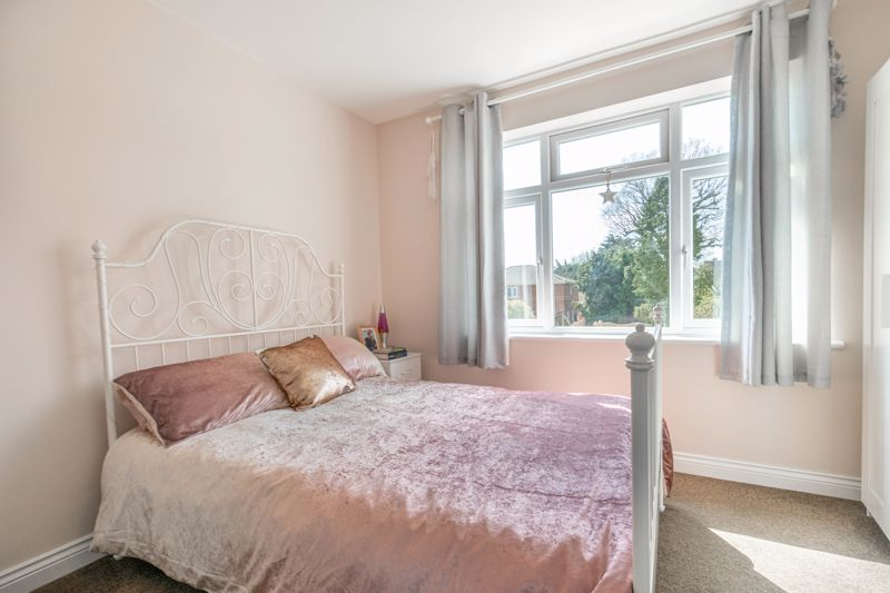 3 bed house for sale in The Meadway 16