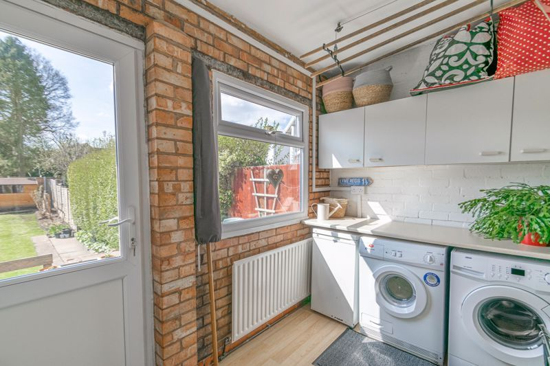 3 bed house for sale in The Meadway 4