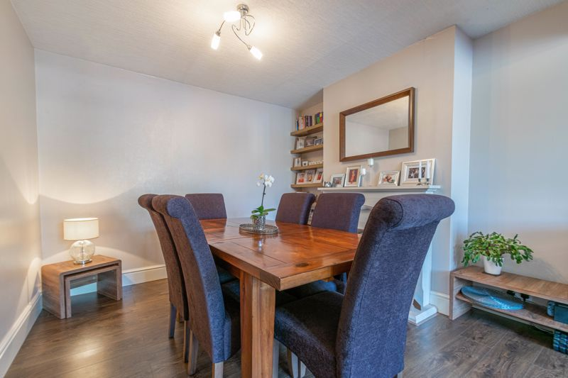 3 bed house for sale in The Meadway 5