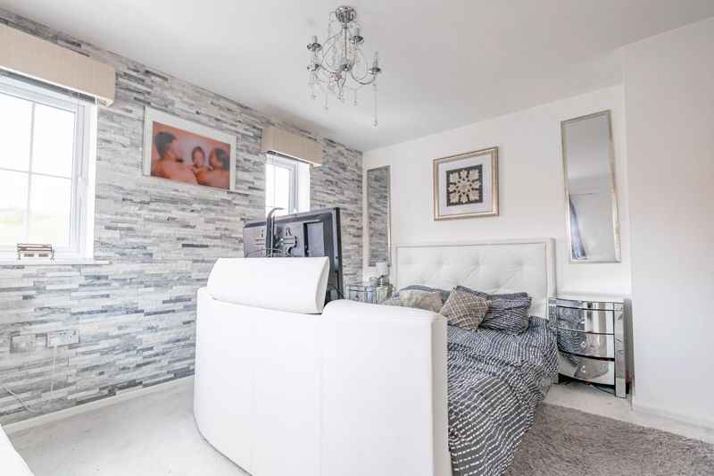 4 bed house for sale in Aynsley Drive 8