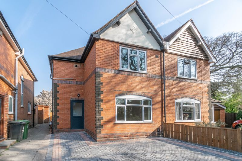 3 bed house for sale in Highfield Avenue  - Property Image 1
