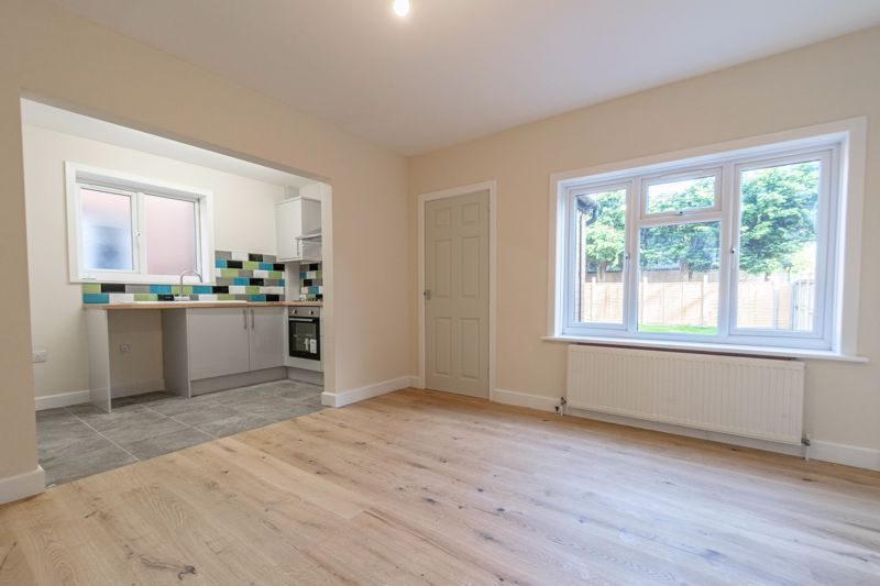 3 bed house for sale in Highfield Avenue 4