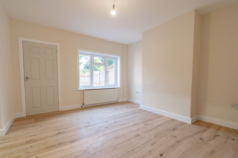 3 bed house for sale in Highfield Avenue 5
