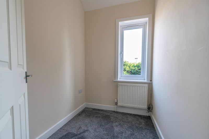 3 bed house for sale in Highfield Avenue 9
