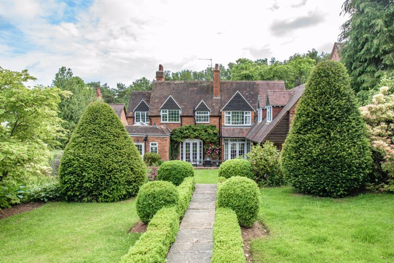 4 bed house for sale in Alcester Road 13