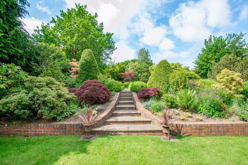 4 bed house for sale in Alcester Road 16