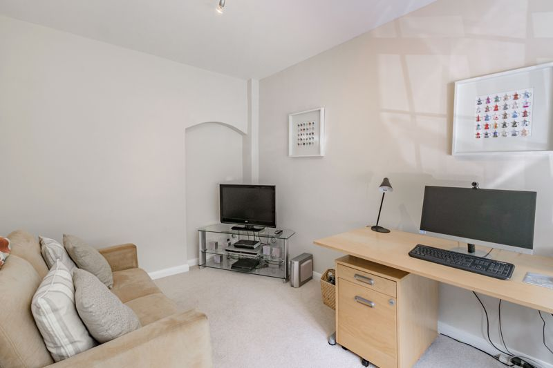 4 bed house for sale in Alcester Road 19