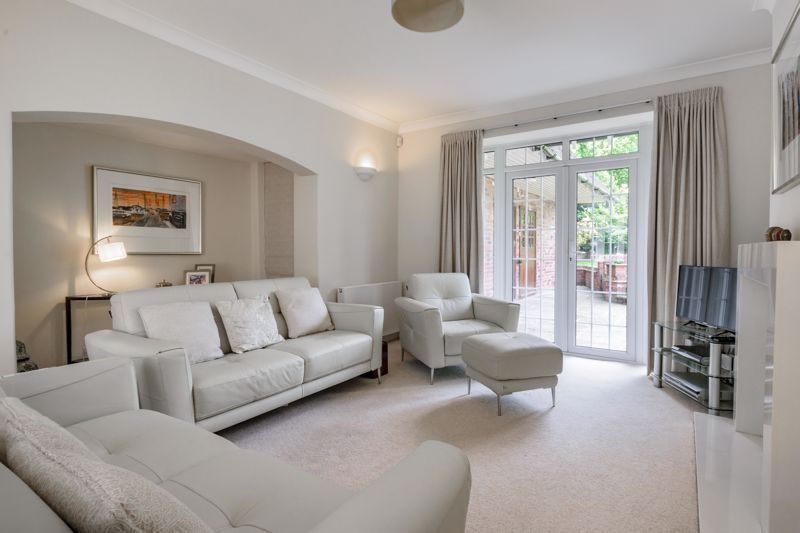 4 bed house for sale in Alcester Road 4