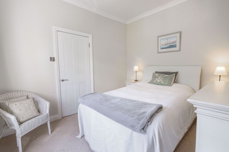 4 bed house for sale in Alcester Road 8
