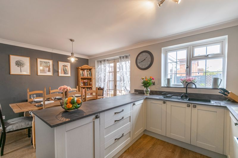 3 bed house for sale in Home Meadow Lane 2