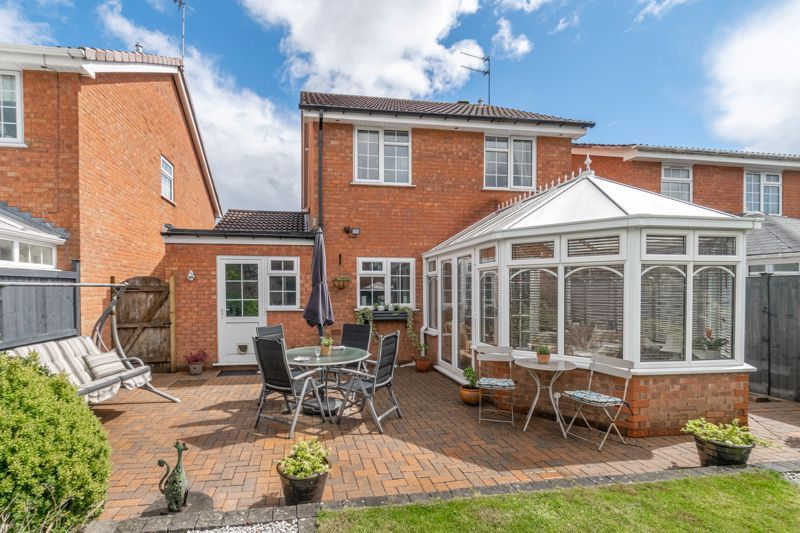 3 bed house for sale in Home Meadow Lane 19