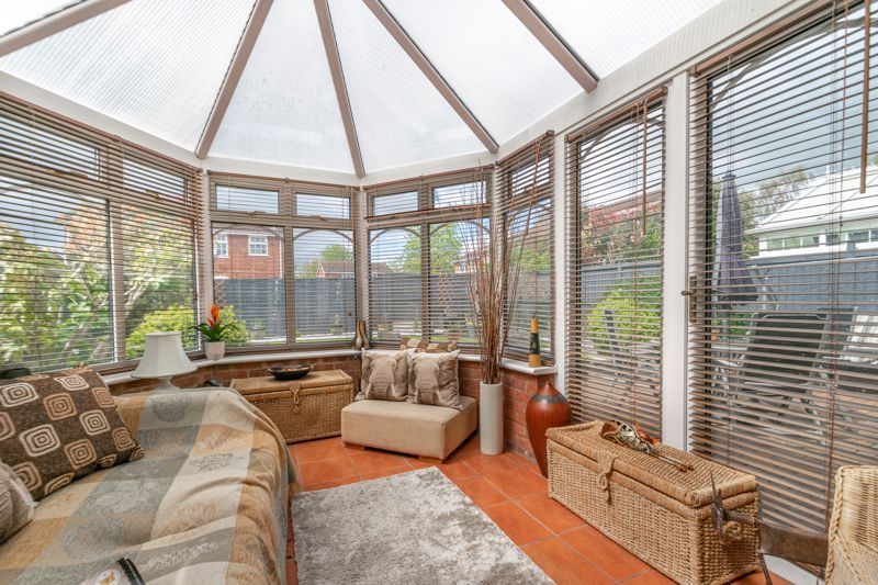 3 bed house for sale in Home Meadow Lane 5
