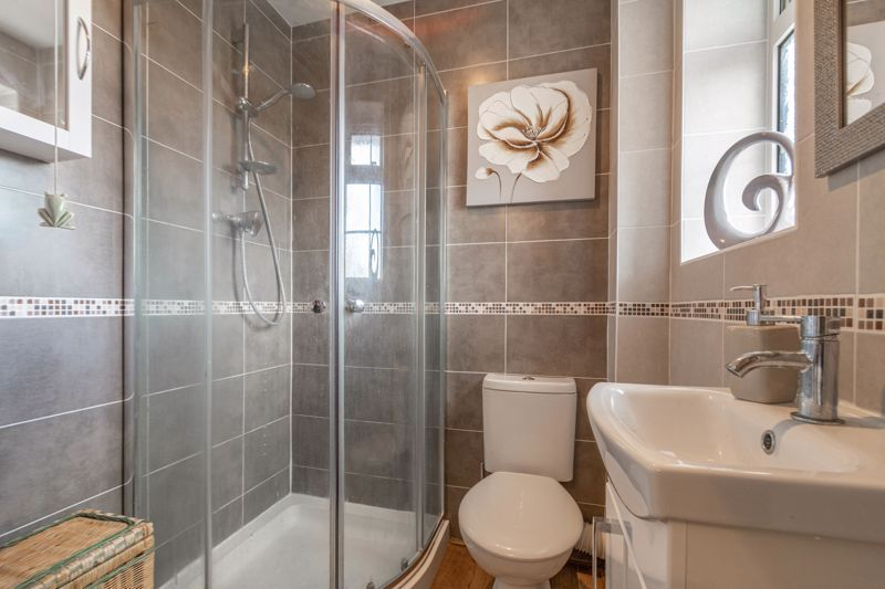 3 bed house for sale in Home Meadow Lane 7