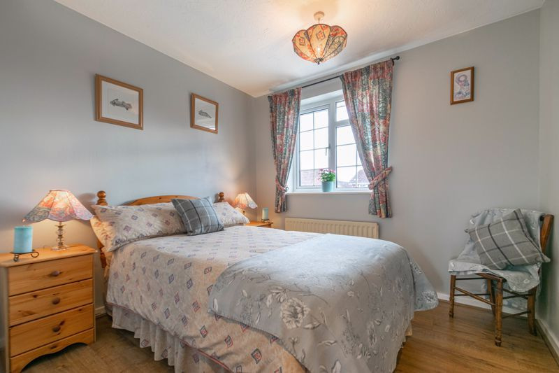 3 bed house for sale in Home Meadow Lane 8