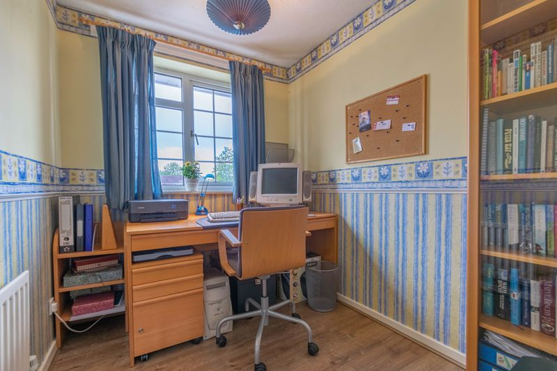 3 bed house for sale in Home Meadow Lane  - Property Image 9