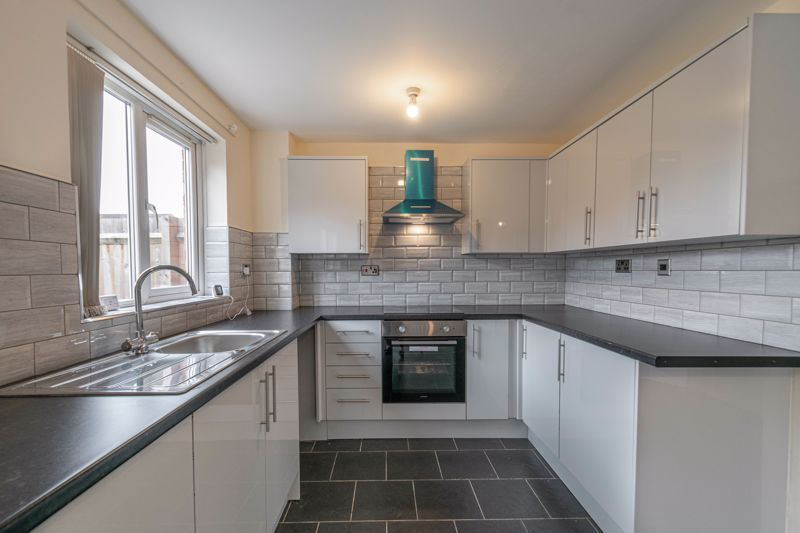 3 bed house for sale in Barnwood Close 2