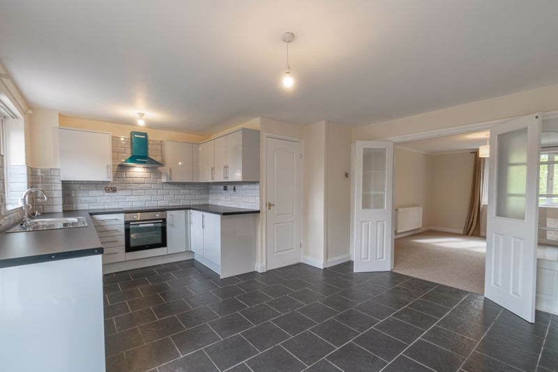 3 bed house for sale in Barnwood Close 3